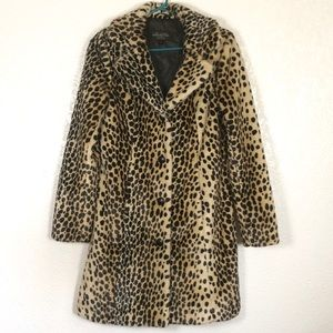 Donna Salyers' Fabulous Furs Cheetah print coat